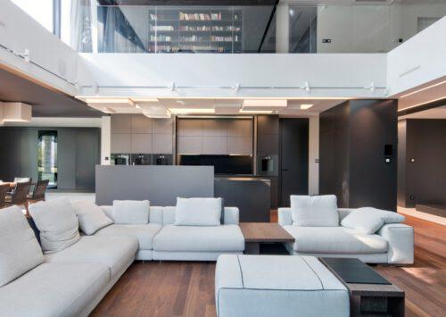 Projekt wnętrz RE: LONG HOUSE projektu architekta Marcina Tomaszewskiego REFORM-Architekt